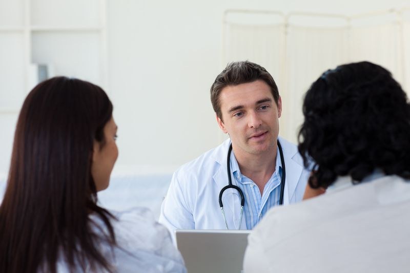 Doctor-talking-to-patients